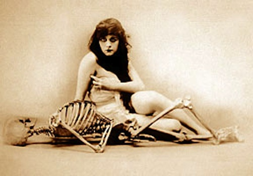 Woman Skeleton Nude 107